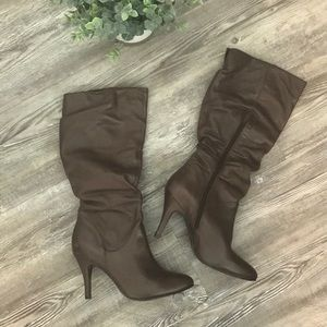 Steve Madden Dark Brown leather boots with heel
